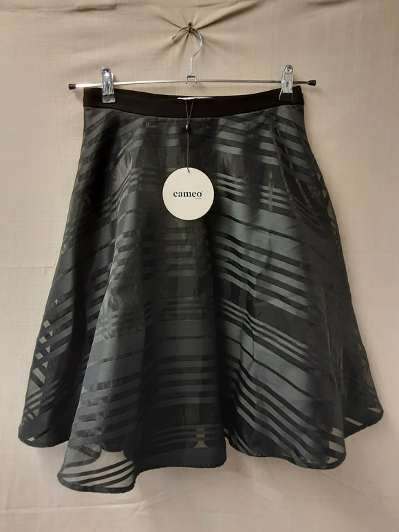 BNWT Cameo black skirt size M - H70