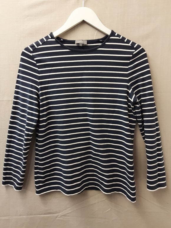Jaeger long sleeve top size XS - H70