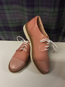 BNWT Clarks canvas shoes size 4D - H70