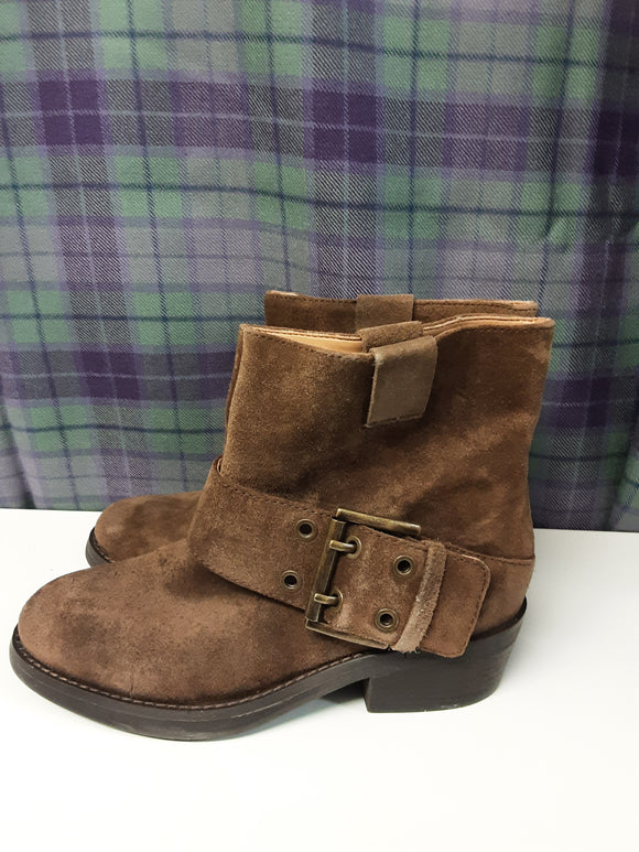BNWOT Nine West brown suede ankle boots size 5 - H70