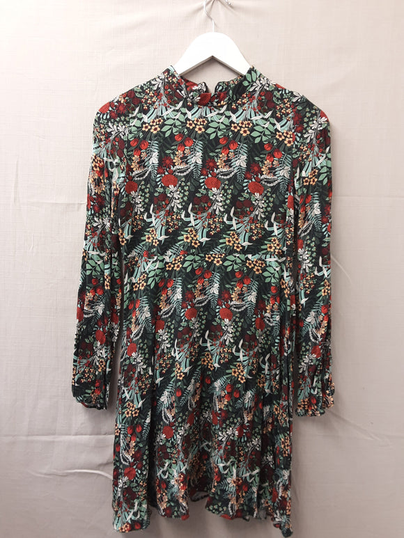 Zara floral dress size s - H70