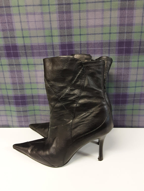 Ravel black leather boots size 5 - H70