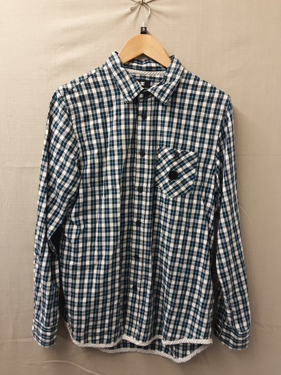Mens DC long sleeve shirt size S - H70