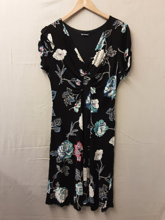 Ladies Autograph Dress Size 18