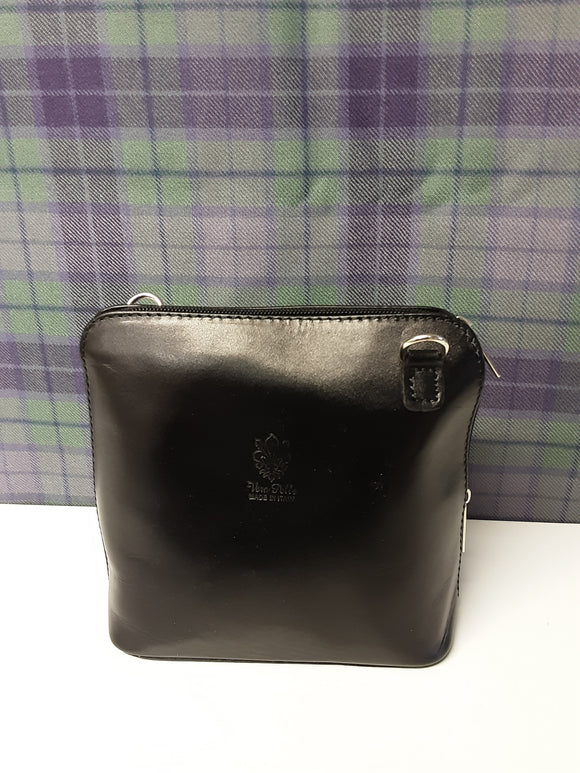 New Vera Pelle small black shoulderbag