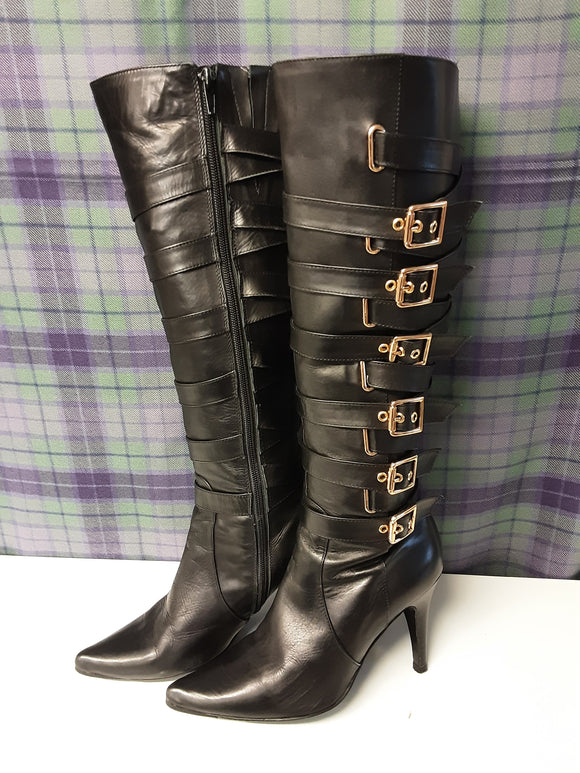 Moda in Pelle knee high black boots size 6
