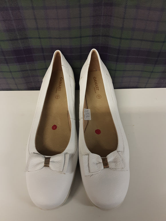 Damart White Leather Ladies Shoes Size 8