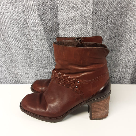 Brown Clarks Wedge Heeled Boot Size 5D