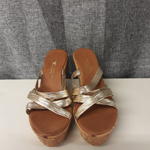 BNWT Gold Dorothy Perkins Wedge Sandals Size 6