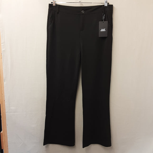 BNWT Ladies Black Trousers Size 20