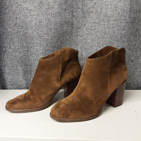 Clarks Brown Suede Boots Size 7