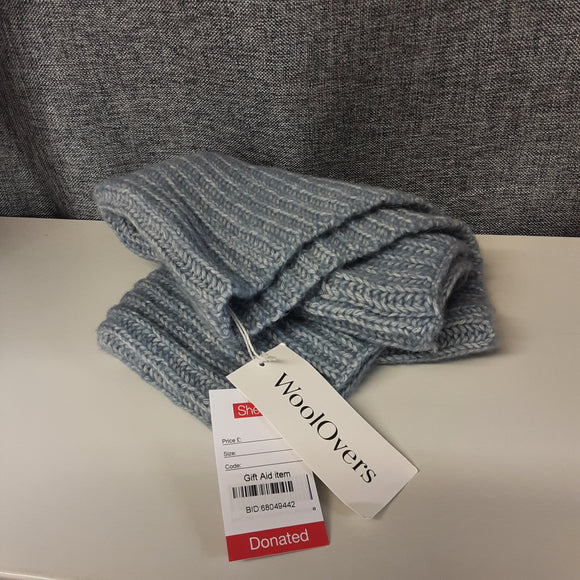BNWT Blue Wool Overs Snude Scarf