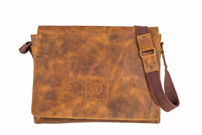 Soldier 15 inch - Men's Leather Messenger Bag in Crazy Horse Tan | Buster McGee Daylesford