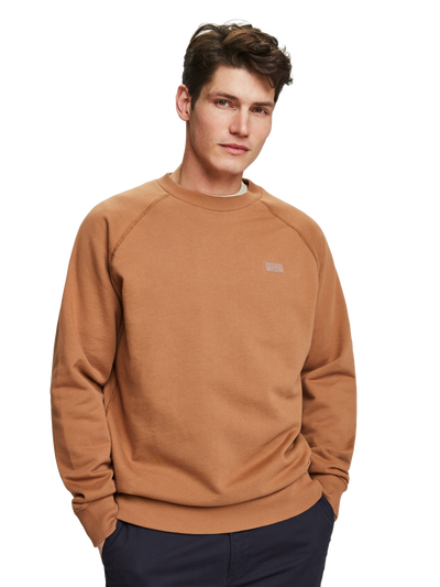 Scotch & Soda Basic Crewneck Sweater in Organic Cotton in Pecan