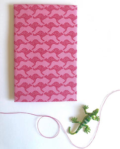 Hanky Fever Men's Kangaroo Handkerchief in Pink
