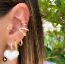 Load image into Gallery viewer, Hammered mini huggie earring