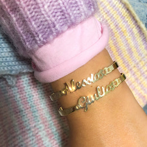 Personalized bangle bracelet with handwriting name