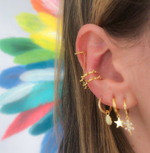 Load image into Gallery viewer, Star huggie earring plain