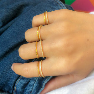 Eternelle ring band plain gold