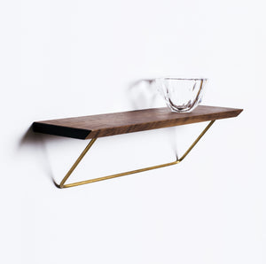 Classic shelf in walnut
