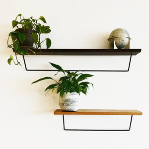 Classic shelf in oak