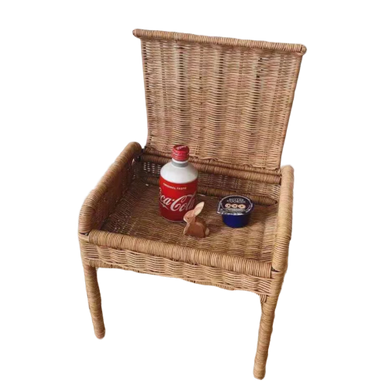 Devoirs - Hand woven child's, rattan desk