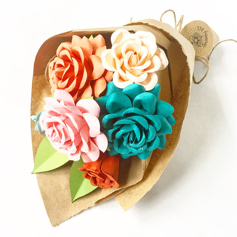 Paper Rose Gift Bouquet