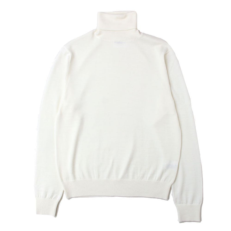 turtleneck sweater (WHT)