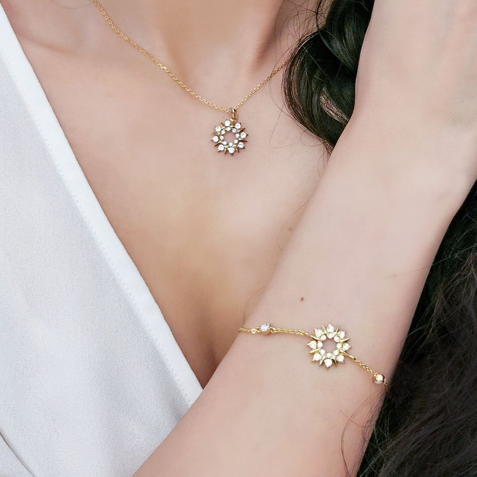 Sunray Bracelet (Clear Diamond, 18K Gold Plated) - Lush Addiction, Crystals from Swarovski