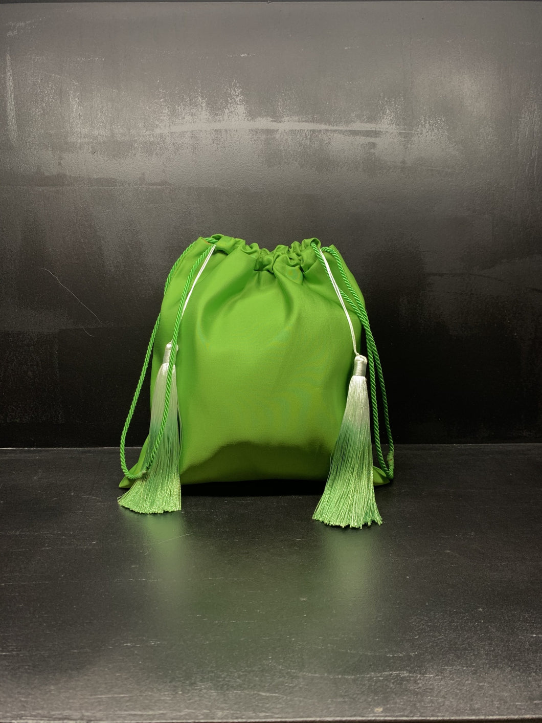 Mini bag sacchetto in raso verde