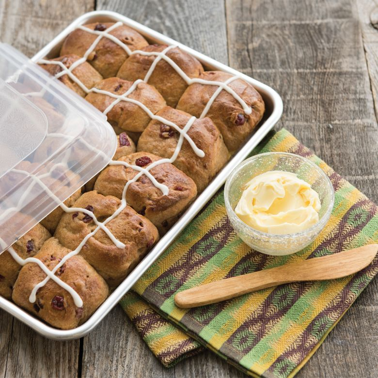Nordicware - Quarter Sheet Baking Pan with Lid