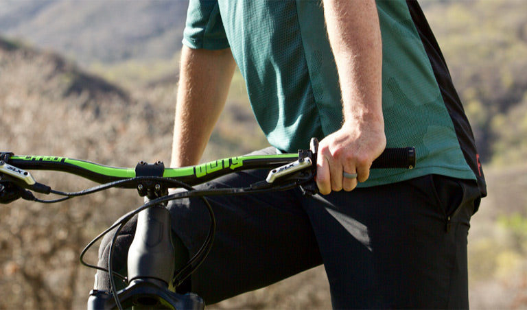 Ventureborn, rings that move with you when you mountainbike!