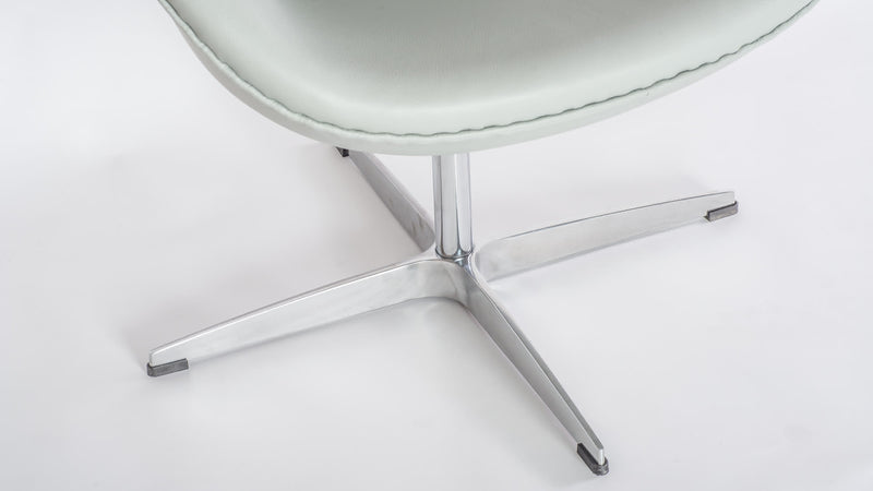 Saarinen Tulip Oval Table ES225 4
