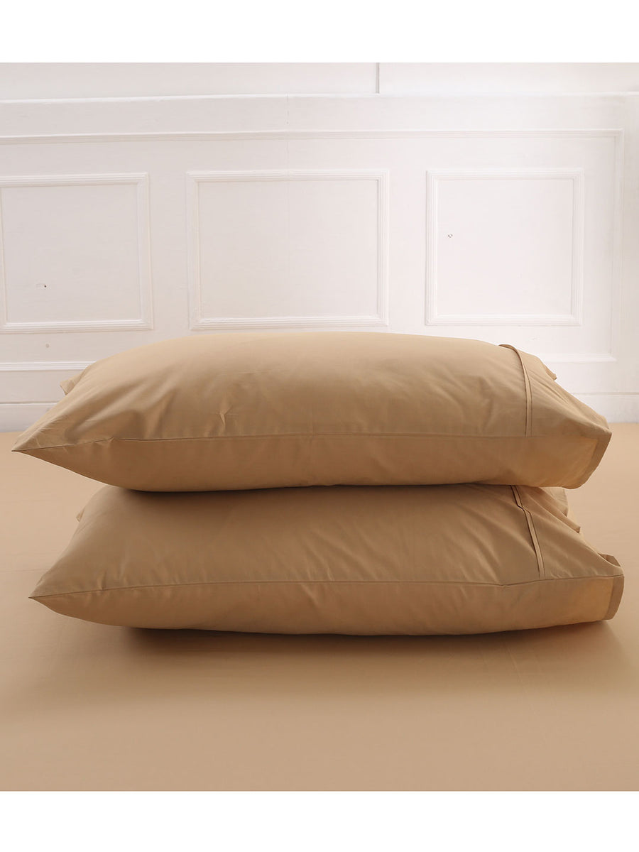 Maspar 200 TC Cotton Double Fitted Sheet With 2 Pillow Covers (Beige)