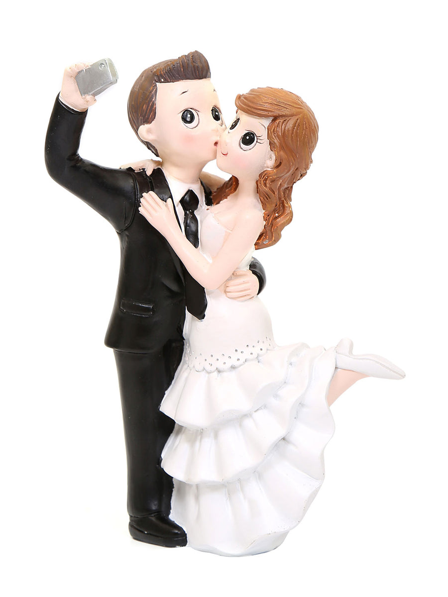 Couple Taking Selfie Showpiece (White)