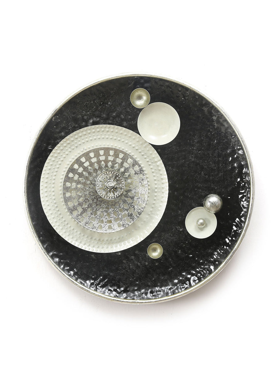 Pearls Round Wall Decor (Black & White)