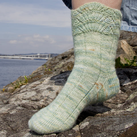 Fiordum Socks - Pattern Only -  Digital Pattern in English/Norwegian