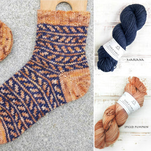 Fall is coming socks - Yarn Kit - Spiced Pumpkin/Mariana - Yarn and Printed Pattern in English/Norwegian