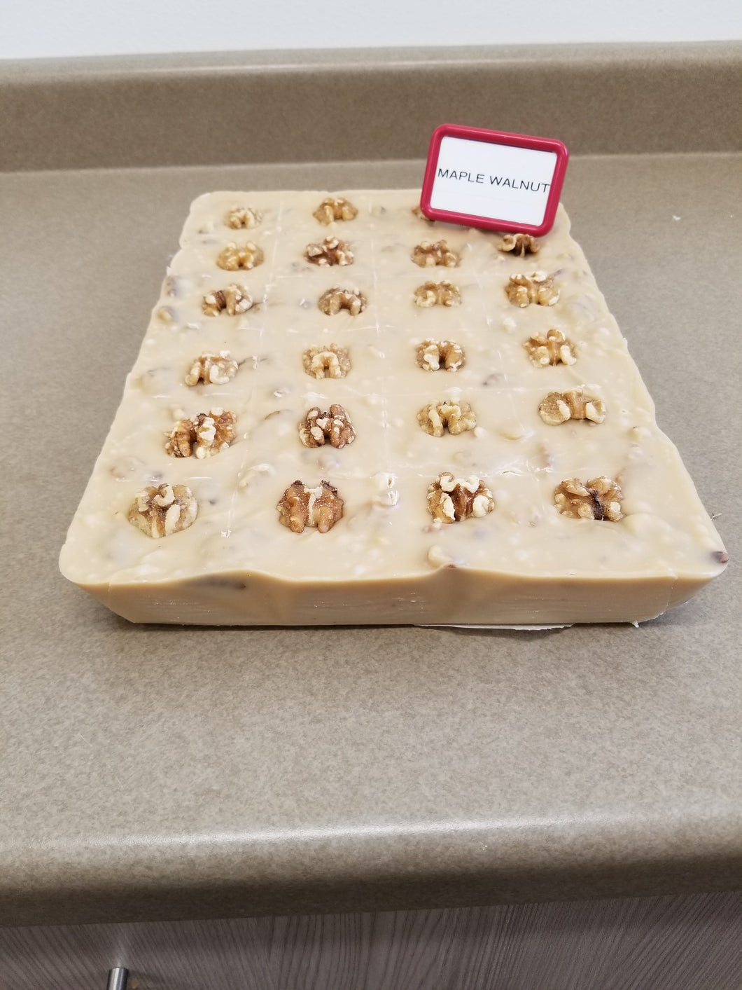 Maple Walnut Fudge (1/2 Pound)