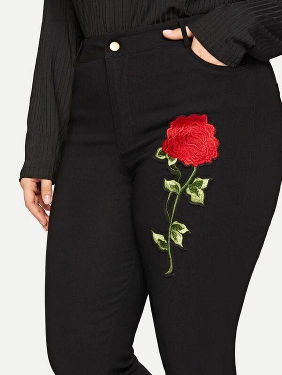 Curvaceous Floral Embroidered Skinny Jeans SHN