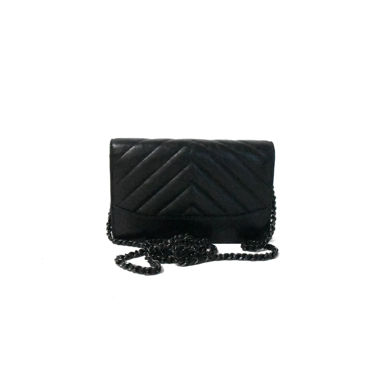 Chevron Gabrielle Wallet On Chain Black HW Black