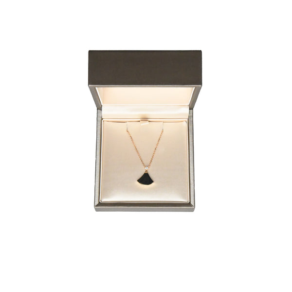 Diva's Dream Necklace Rose Gold with Onyx and Diamond