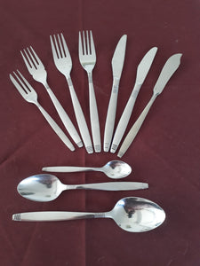 Dessert Spoon from the Style cutlery collection