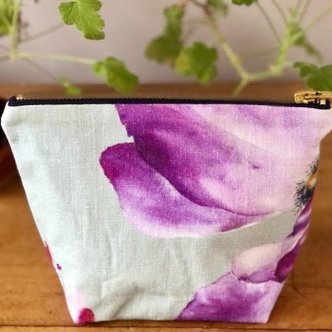 Make Up Bag in Linen Purple Small