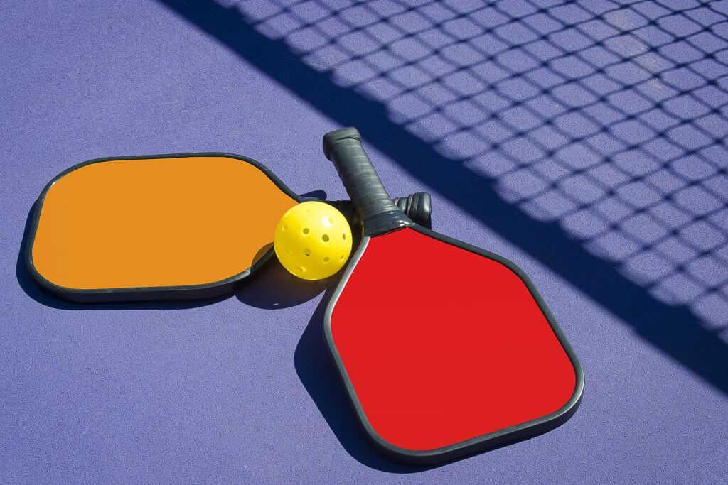 How to Pick a Pickleball Paddle