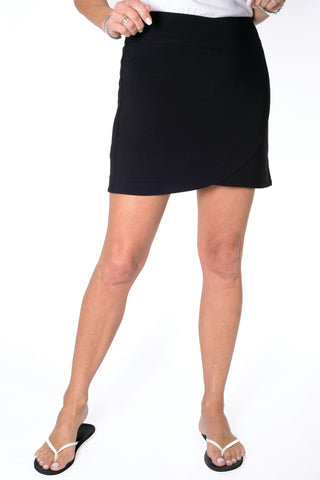 Solid Q-Skirt Black 090 - Leonlevin
