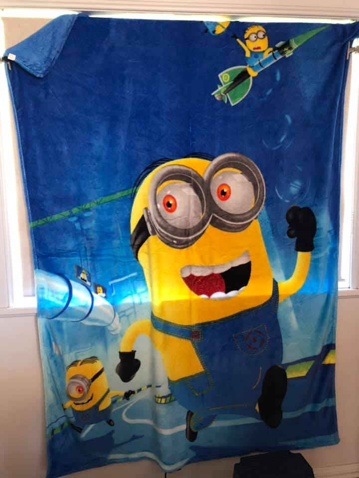 Minions Large Blanket
