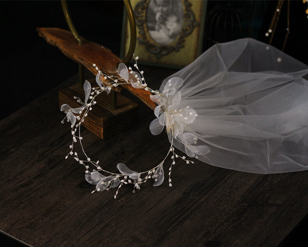 Unique wedding veils and headpieces