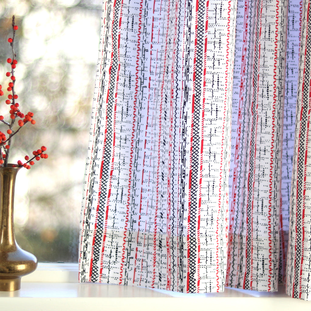 DOTS & LINES CURTAIN