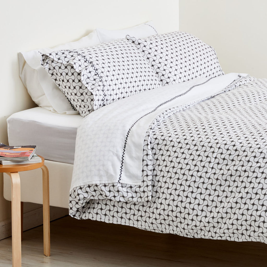 GRAY LATTICE DUVET